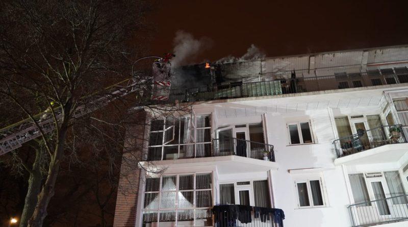 Woning 4e verdieping verwoest na uitslaande brand | Gerdesiaweg Rotterdam