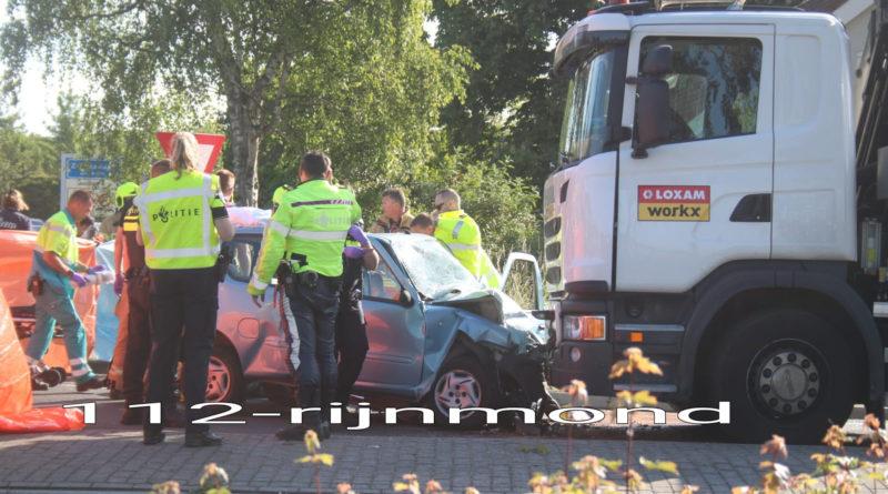 Bestuurder overleden na botsing met vrachtwagen   Groene Kruisweg – N218 Zwartewaal