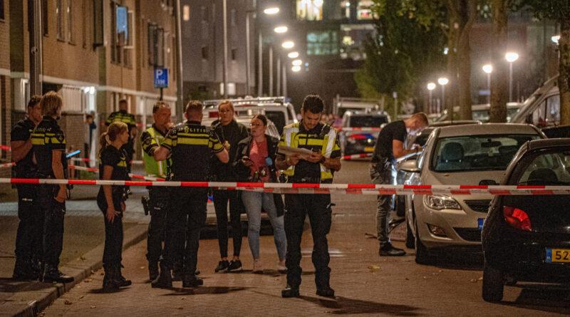 Man overleden na schietpartij in woonwijk | Parallelweg Rotterdam