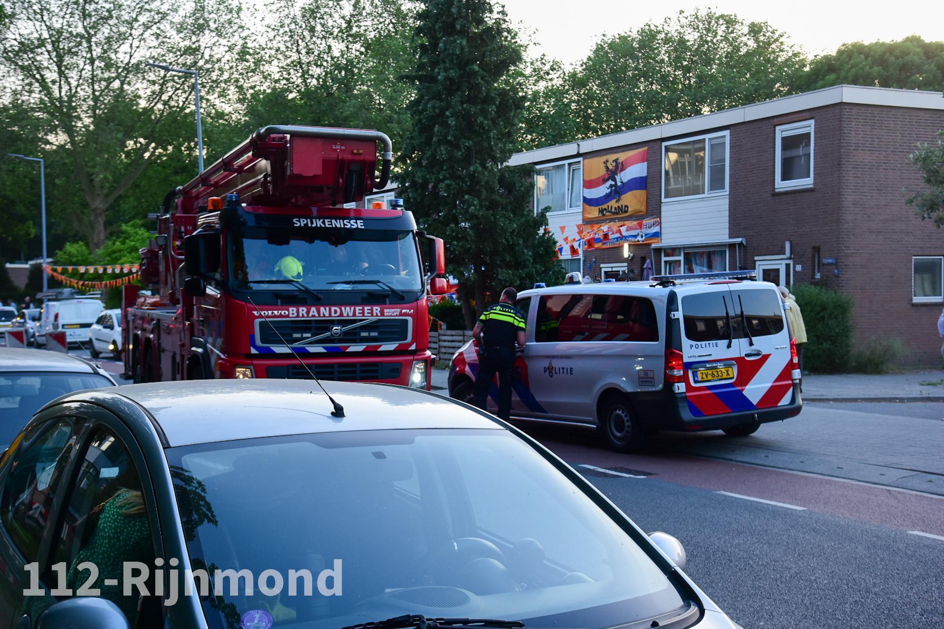 Nu Online: Brandweer onderzoek brandlucht in flatgebouw   Tijmweg Hoogvliet.